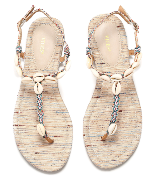 sandały z muszelkami