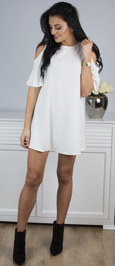 Biala Sukienka Z Odkrytymi Ramionami Vivian Bialy Stili