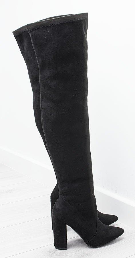 Czarne kozaki za kolano na obcasie